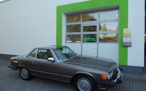 Mercedes SL 560
